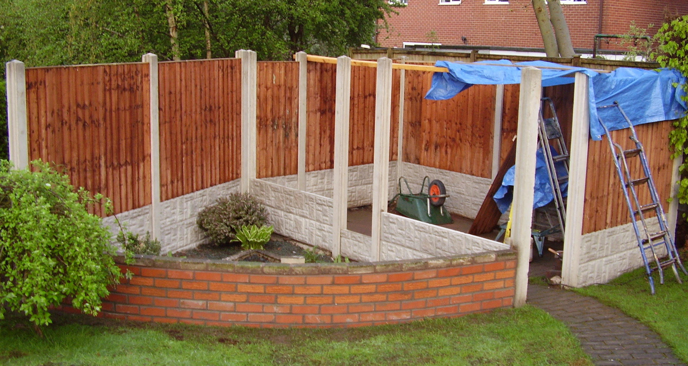 My breeding cages then 7 high quality fence panels were slid in to the solid areas these were 5 foot panels by 6 foot long to create the walls of the aviaries as you will baanklon Choice Image